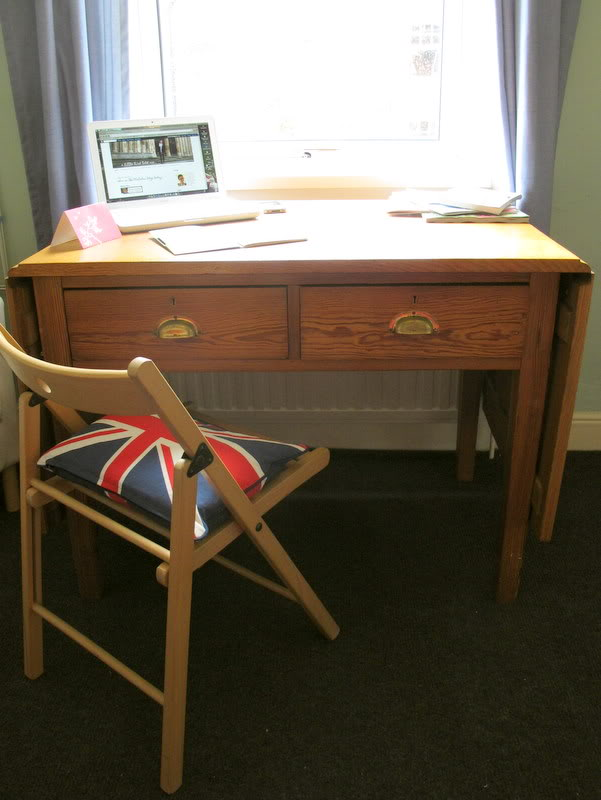 second hand desk  1