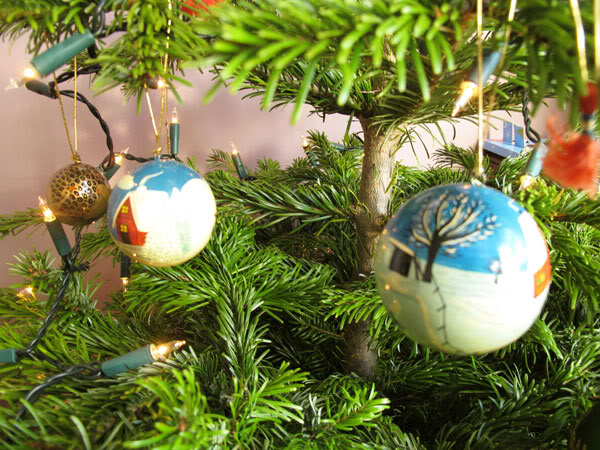 charity christmas decorations