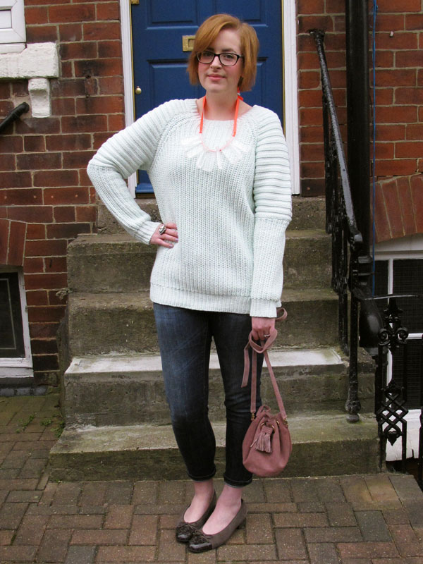 how to wear a chunky knit jumper