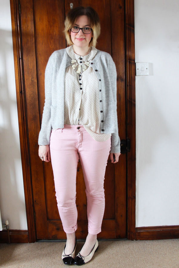 how to wear pastel jeans denim