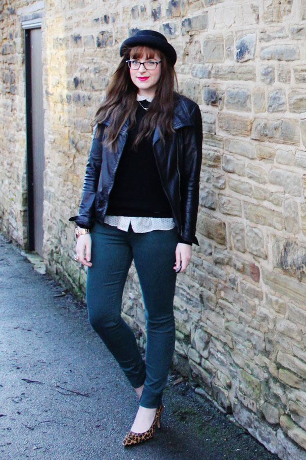 daily outfit photo blogger