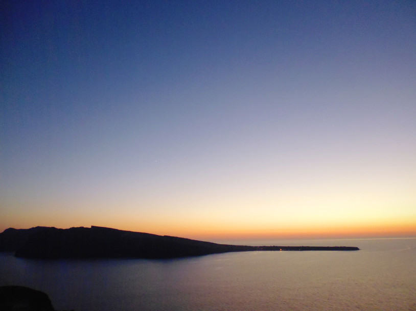 santorini sunset honeymoon