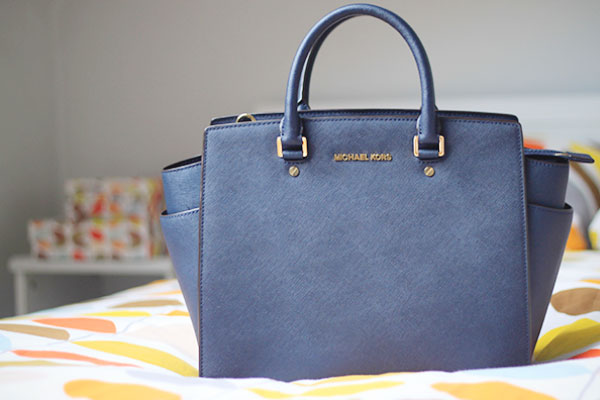 michael kors navy selma tote bag
