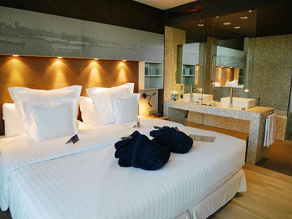 discovering hamburg 1 j for jen. Black Bedroom Furniture Sets. Home Design Ideas